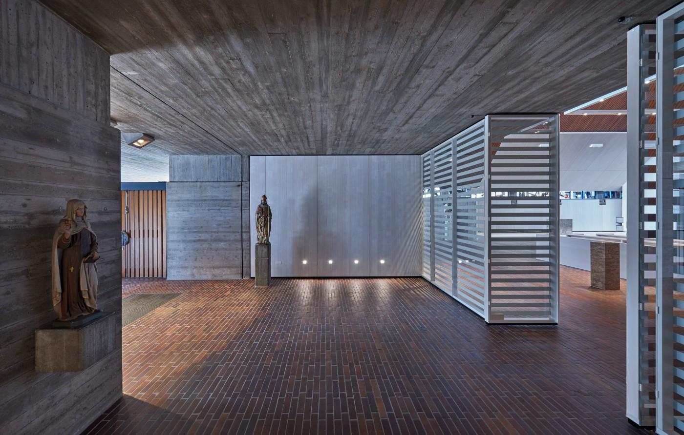 heilig geist kirche bfa b ro f r architektur. Black Bedroom Furniture Sets. Home Design Ideas