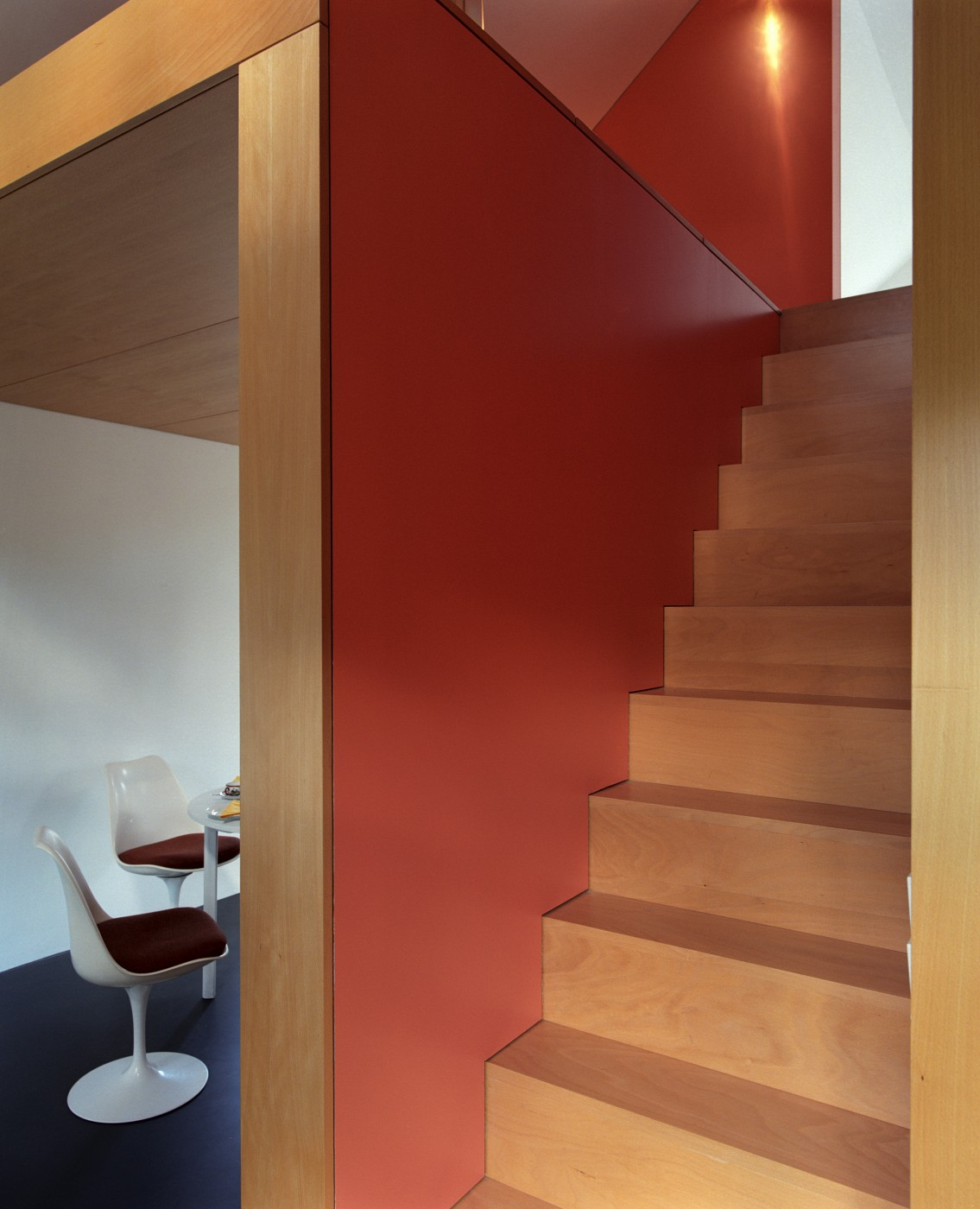 stair to bedroom
